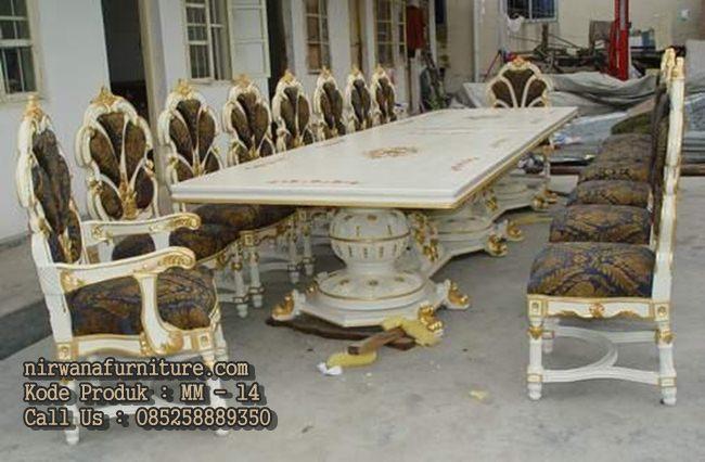 Meja Makan Istana Model Italian