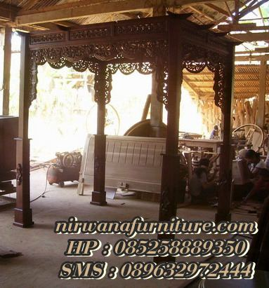 Pergola Kayu Jati Untuk Dekorasi Pelaminan