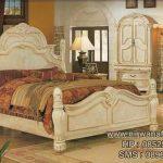 Model Tempat Tidur Ukiran Mewah