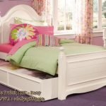 tempat tidur sorong model klasik untuk anak anak